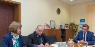 Podpisanie umowy na sieć kanalizacji sanitarnej