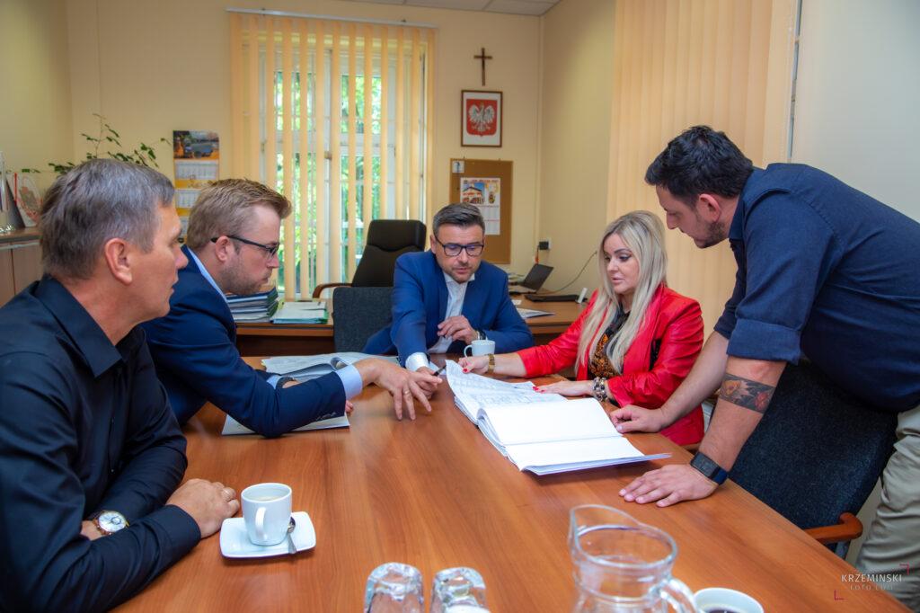 Podpisanie umowy na termomodernizację budynku LKS VICTORIA Pilchowice